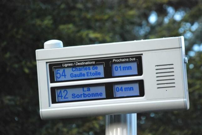 Borne APICOM deux lignes - information visuelle et sonore des voyageurs aux arrêts de bus