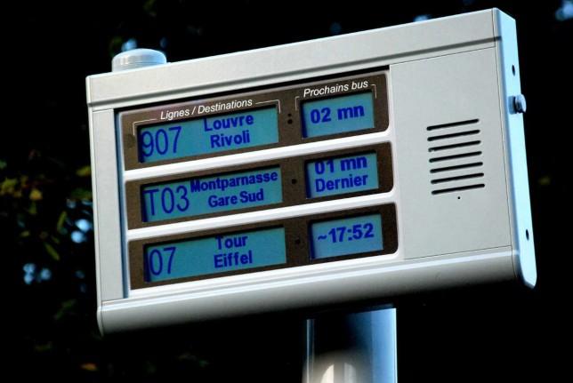 Borne APICOM trois lignes - information visuelle et sonore des voyageurs aux arrêts de bus