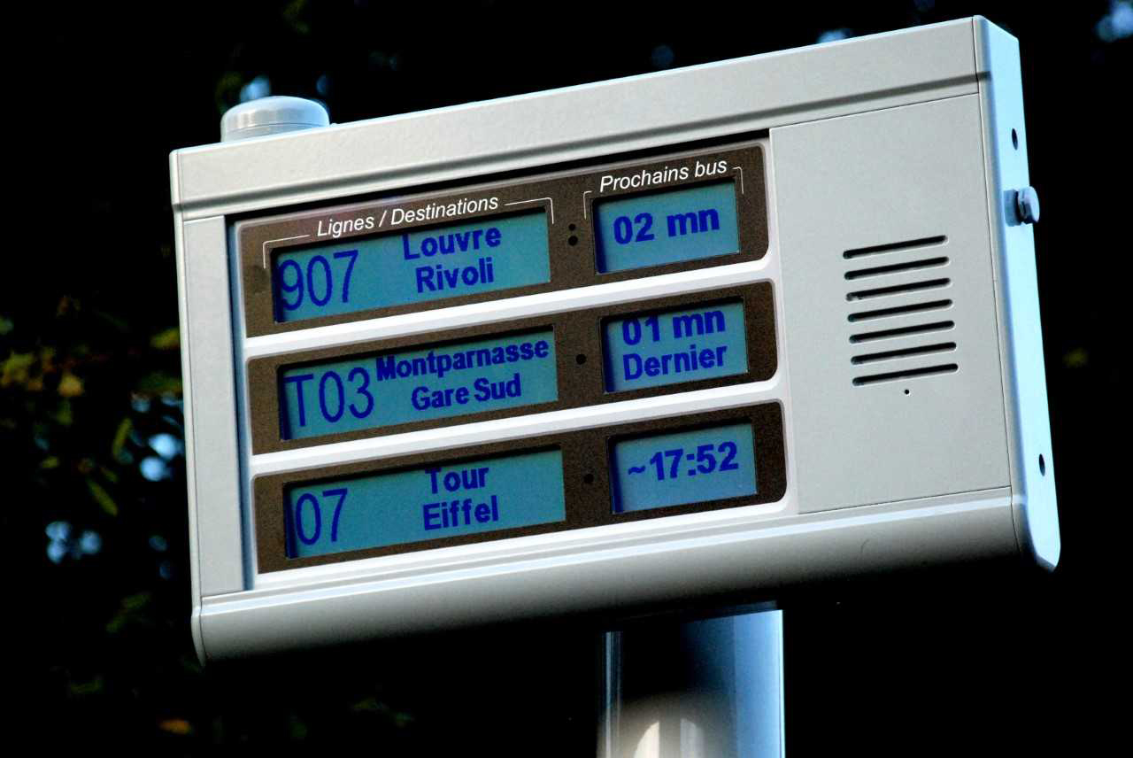 3 lines APICOM terminal - visual and audible information of travelers at bus stops