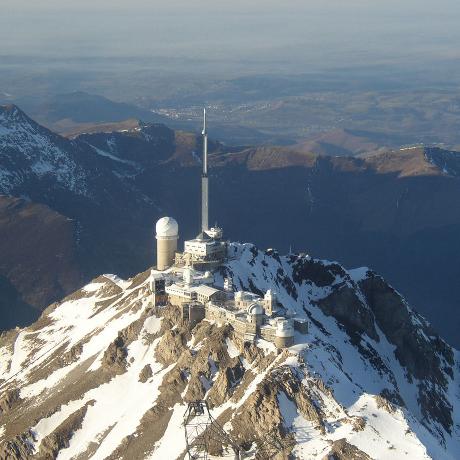 Infrastructure radio fortement redondée et de couverture très étendue, pour système de prévision des crues
